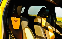 Ford Focus ST wnetrze