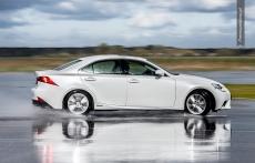 Lexus IS 300h drift w Bednarach
