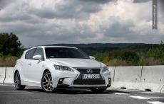 Lexus CT200h F sport white front