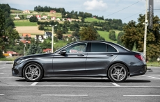 Nowy Mercedes klasy C W205 AMG bok