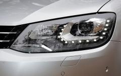 Volkswagen Sharan 2,0 TDI Highline swiatlo przod