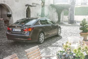 Lexus GS 300h test