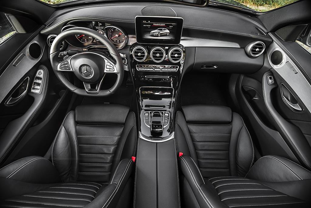 Mercedes klasy C AMG wnetrze