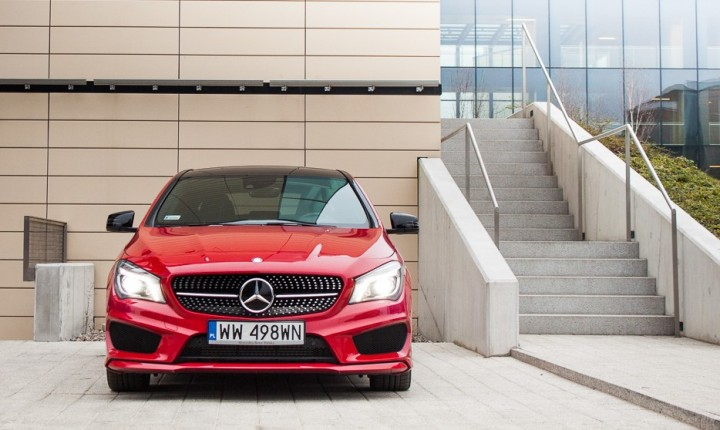 Mercedes-CLA25-4matic-amg