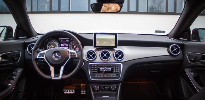 Mercedes-cla25-wnetrze