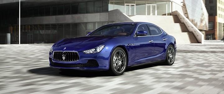 Maserati-Ghibli_2014_1024x768_wallpaper_10