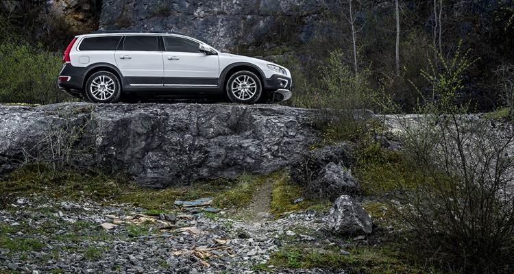 Volvo XC70 Dr FWD test