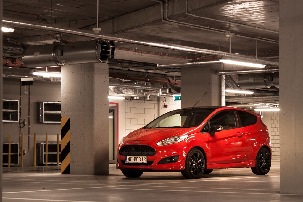 ford-fiesta-black-red-5