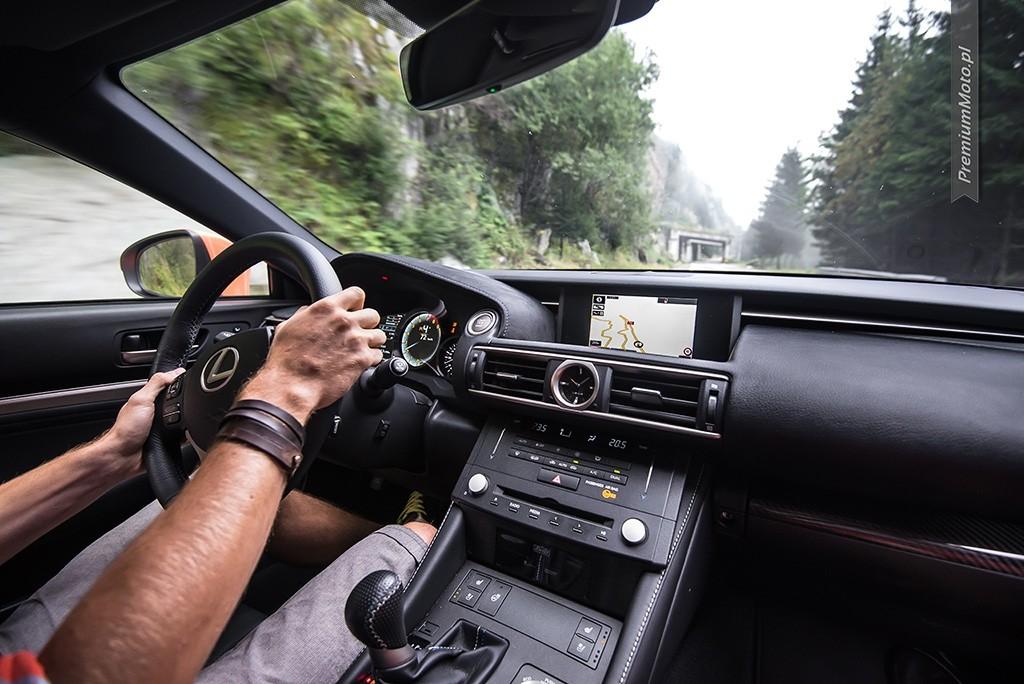 Lexus RC-F Carbon wnetrze