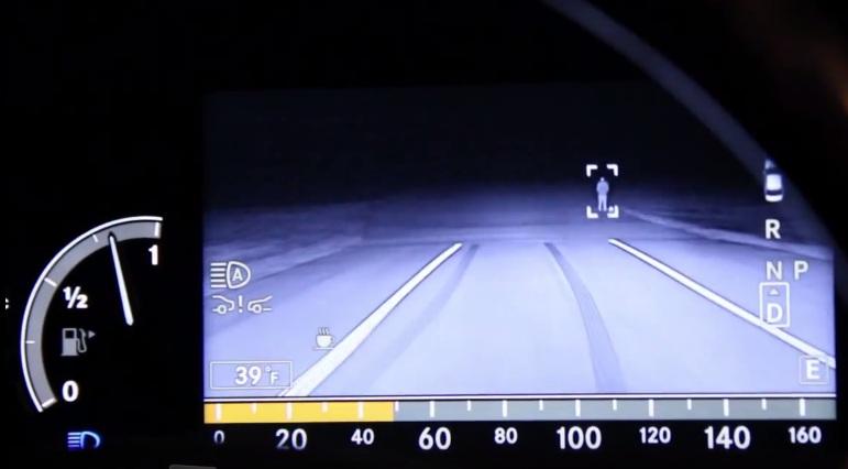 night-visoin-bmw-asystent-nocnej-jazdy