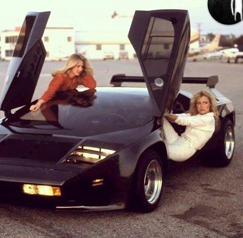 dziewczyny i samochody