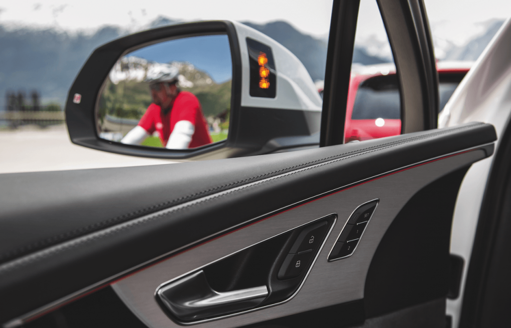 systemy bezpieczeństwa w samochodzie - asystent audi