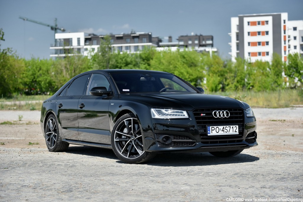 Audi-S8-Plus-warszawa