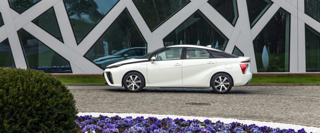 Toyota Mirai Polska test - najbardziej ekologiczne samochody świata