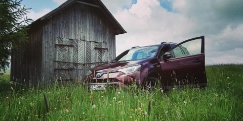 Toyota RAV4 Hybrid w Tatrach