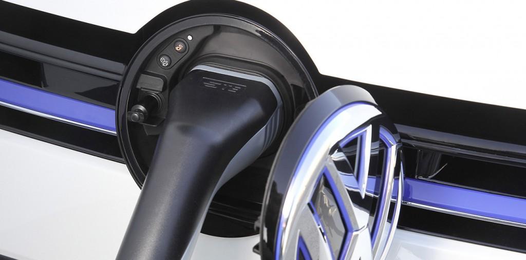 VW-golf-Gte-ladowanie-wtyczka