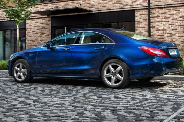 Mercedes-Benz-CLS-350-BlueTEC-4MATIC-niebieski
