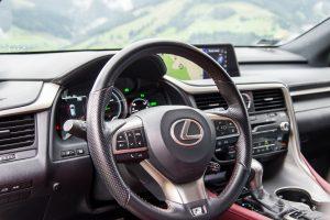 nowy-lexus-rx450h-wnetrze