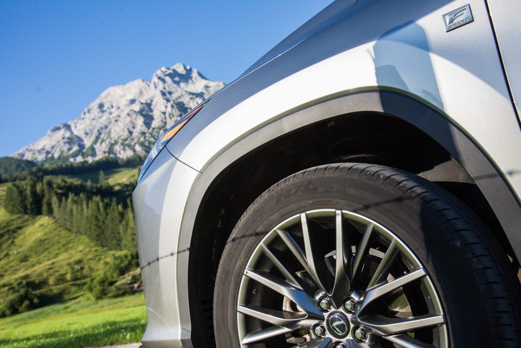 nowy-lexus-rx450h-fsport-koło