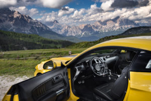 ford mustang w dolomitach 65