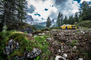 ford mustang w dolomitach 76