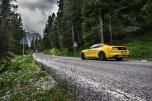 ford mustang w dolomitach 83
