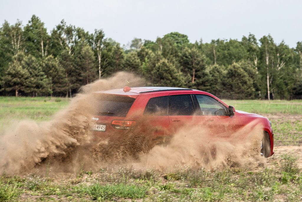 Jeep Grand Cherokee SRT 2017 test opinia 51