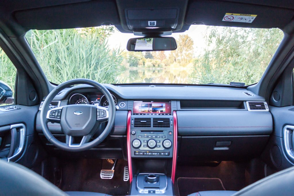 Land Rover Discovery Sport HSE wnetrze