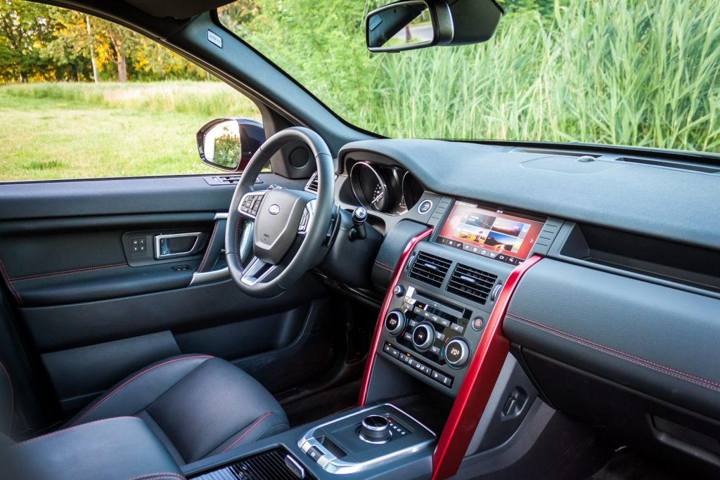 Land Rover Discovery Sport HSE test opinia 26