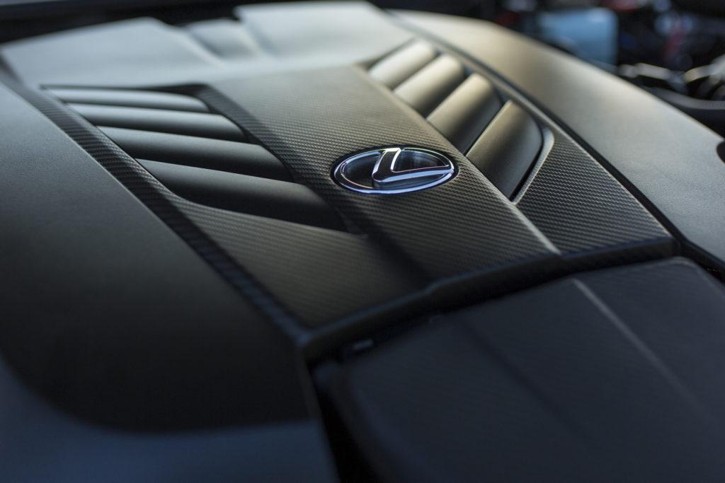 Lexus LC500 silnik V8