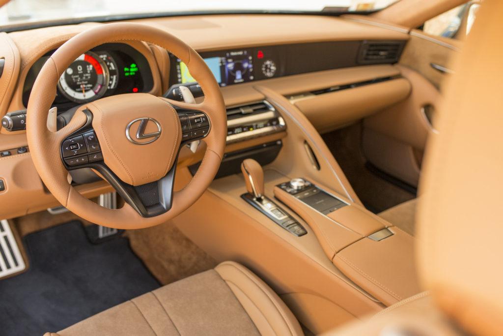 Lexus LC500 zdjęcia wnętrze