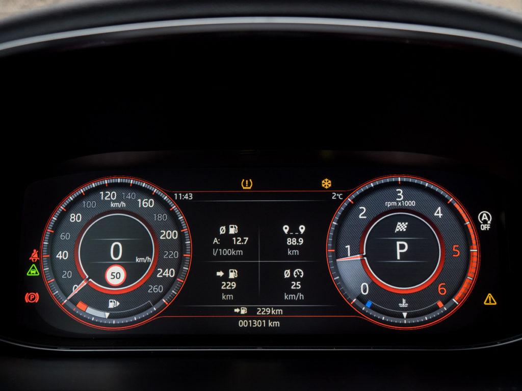 Jaguar E-Pace S cyfrowa tablica wskaźników