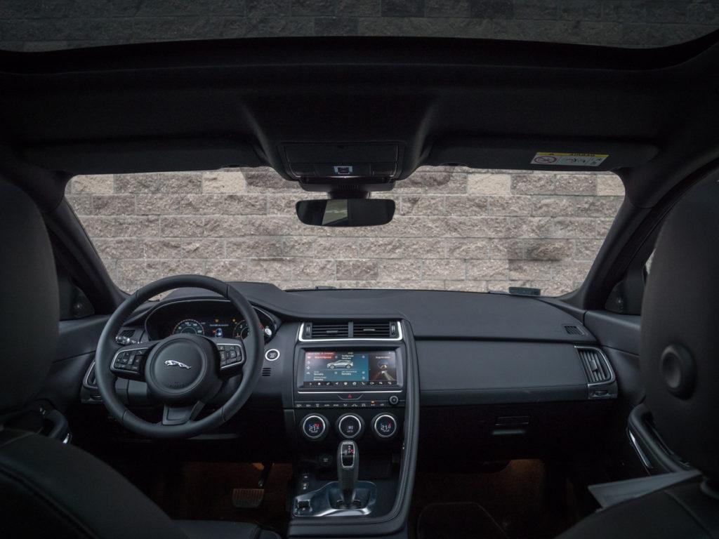 Jaguar E-Pace wnętrze - test i opinia