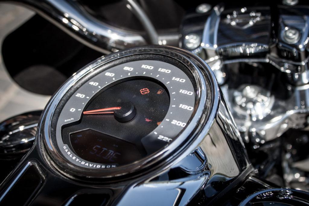 Harley Sport Glide test