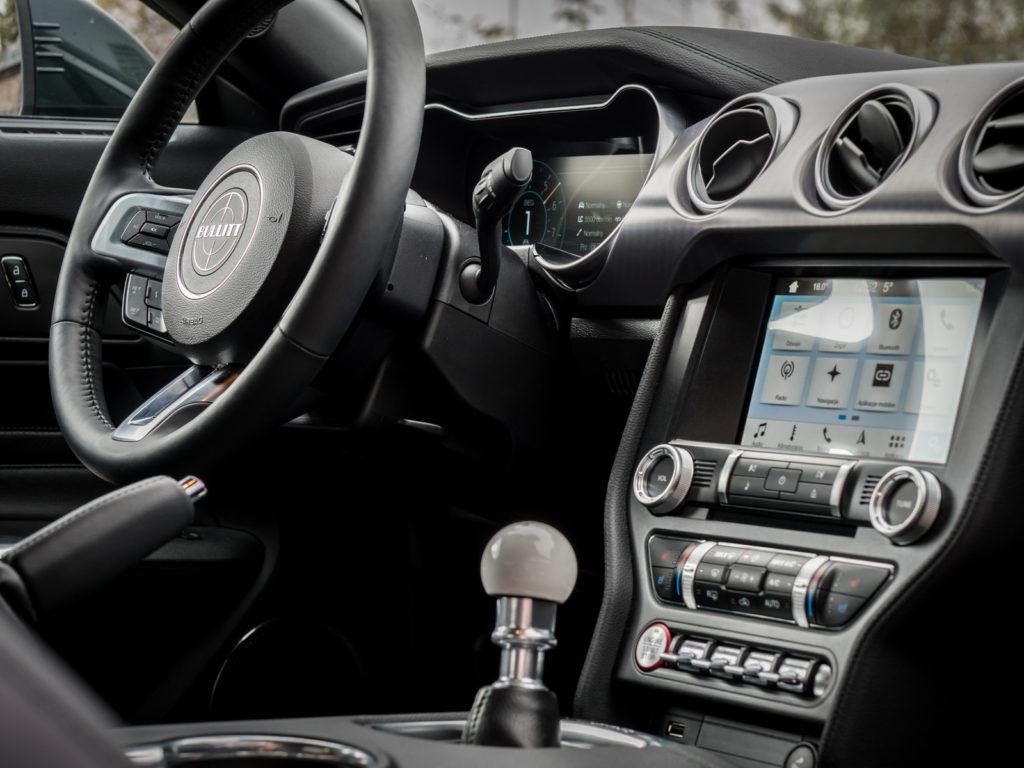 Ford Bullitt 2018 test i opinia wnętrze