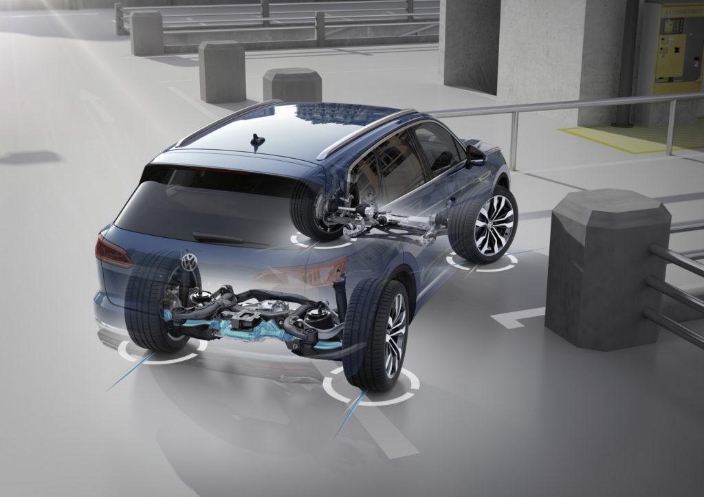 nowy Volkswagen Touareg 2019 opinia i test skrętna oś tylna