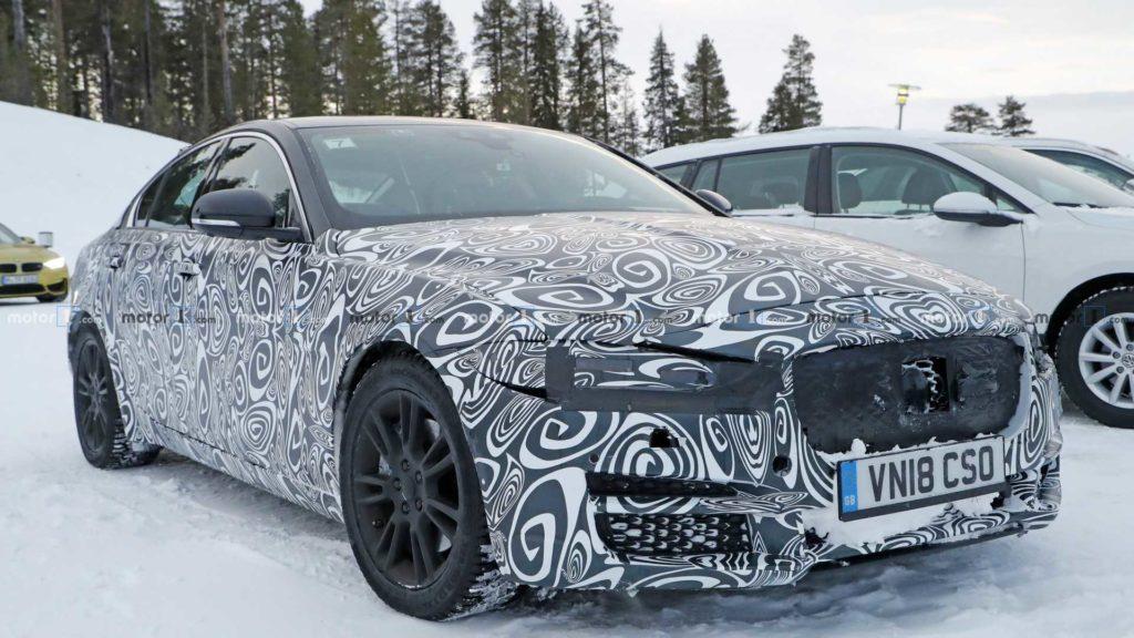kalendarz-premier-motoryzacyjnych-2019-jaguar-xe