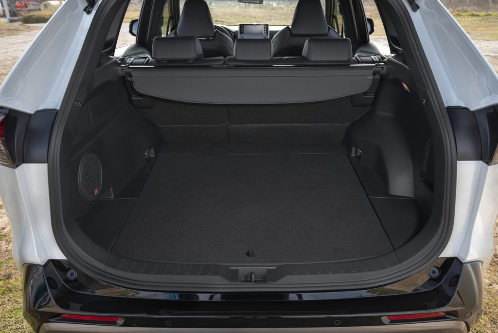 Nowa Toyota RAV4 2019 bagażnik test i opinia