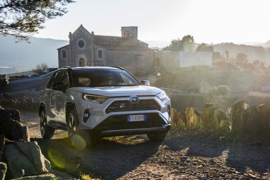 Nowa Toyota RAV4 hybrid 2019 test i opinia