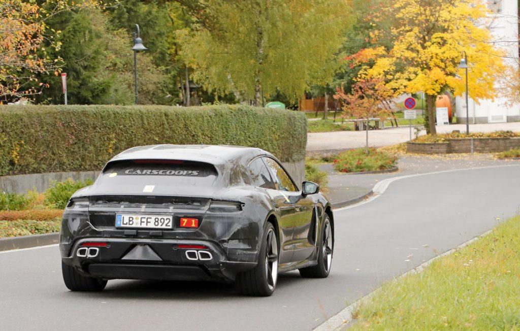 Premiery samochodów 2020 | Porsche Taycan Cross Turismo 2020