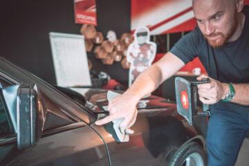 zabezpieczenie-lakieru-samochodu-jak-czym-24
