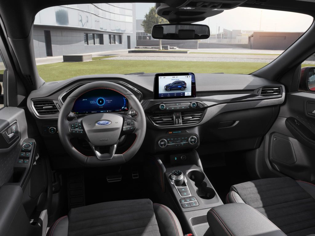 Nowy Ford Kuga Plug-in Hybrid – za kierownicą