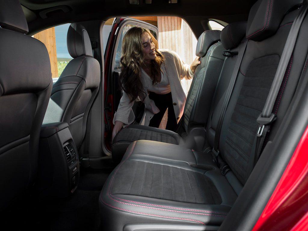 Nowy Ford Kuga Plug-in Hybrid aspekty praktyczne