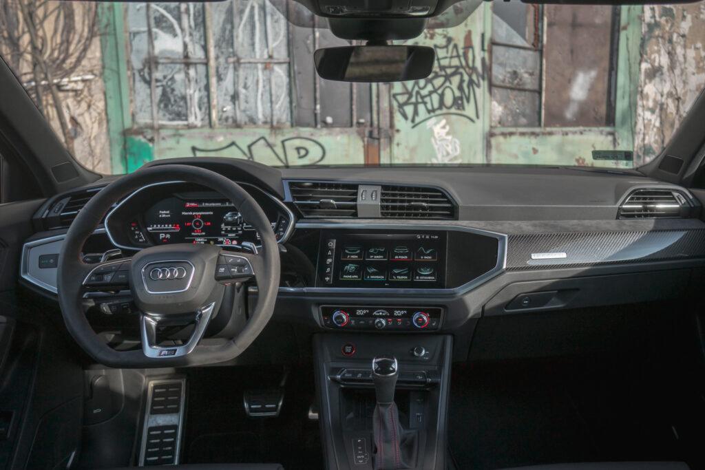 Audi RS Q3 Sportback wnętrze